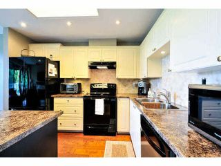 """Photo 3: 405 1745 MARTIN Drive in Surrey: Sunnyside Park Surrey Condo for sale in """"SOUTHWYND"""" (South Surrey White Rock)  : MLS®# F1436564"""