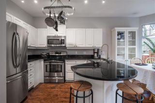 """Photo 18: 35 5950 OAKDALE Road in Burnaby: Oaklands Townhouse for sale in """"HEATHERCREST"""" (Burnaby South)  : MLS®# R2536140"""