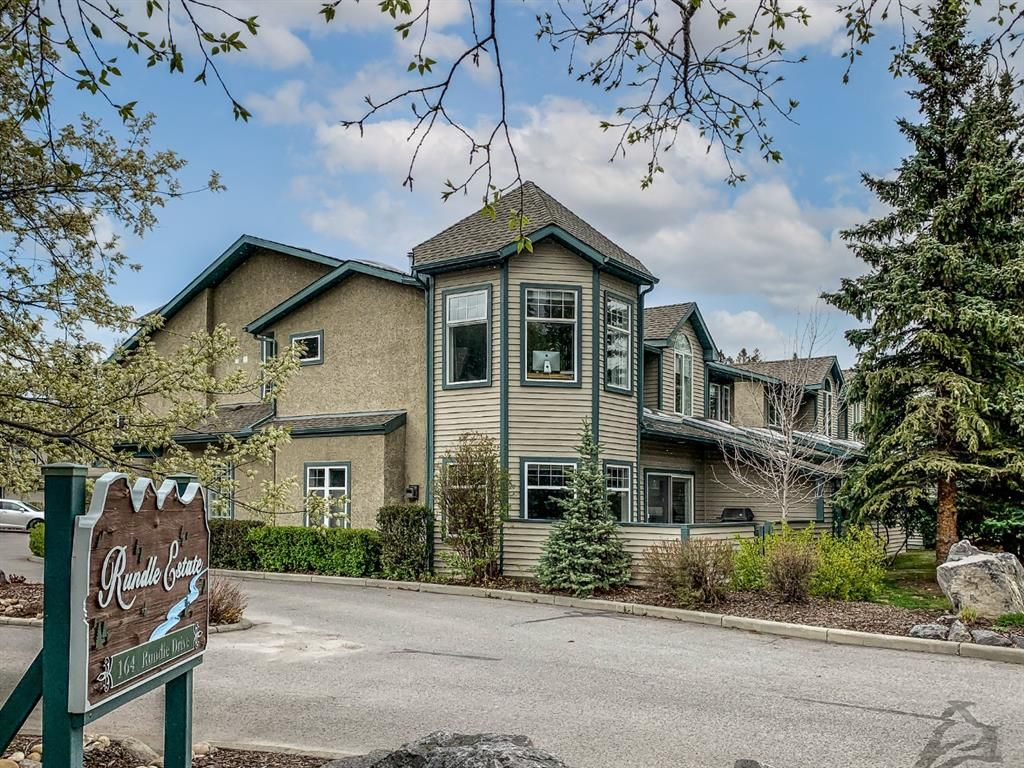Main Photo: 28 164 Rundle Drive: Canmore Row/Townhouse for sale : MLS®# A1113772