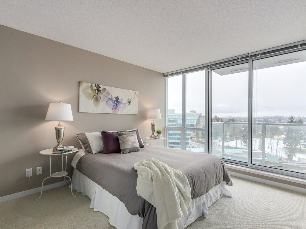 """Main Photo: 1408 9981 WHALLEY Boulevard in Surrey: Whalley Condo for sale in """"Park Place II"""" (North Surrey)  : MLS®# R2129602"""