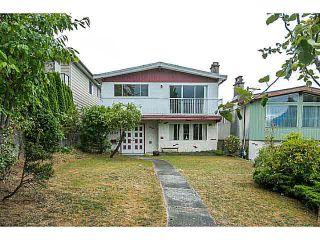 """Photo 2: 3606 ETON Street in Vancouver: Hastings East House for sale in """"HASTINGS EAST/VANCOUVER HEIGHTS"""" (Vancouver East)  : MLS®# V1140704"""
