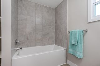 """Photo 18: 119 1840 160 Street in Surrey: King George Corridor Manufactured Home for sale in """"Breakaway Bays"""" (South Surrey White Rock)  : MLS®# R2598312"""