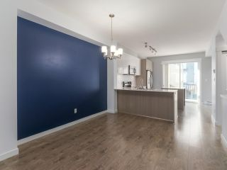 """Photo 5: 27 6450 187 Street in Surrey: Cloverdale BC Townhouse for sale in """"Hillcrest"""" (Cloverdale)  : MLS®# R2421299"""