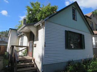 Photo 2: 56 Luxton Avenue in Winnipeg: North End Residential for sale (4C)  : MLS®# 202119801