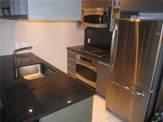 """Photo 2: 807 833 SEYMOUR Street in Vancouver: Downtown VW Condo for sale in """"CAPITAL"""" (Vancouver West)  : MLS®# V896603"""