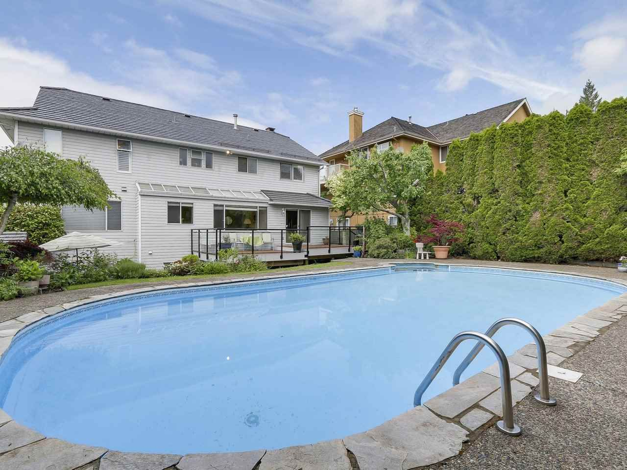 Main Photo: 240 ROCHE POINT DRIVE in North Vancouver: Roche Point House for sale : MLS®# R2172946