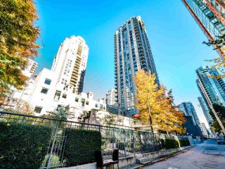Photo 2: 2105 928 RICHARDS Street in Vancouver: Yaletown Condo for sale (Vancouver West)  : MLS®# R2515574