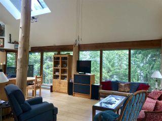 "Photo 10: 106 DARK HORSE Road: Saturna Island House for sale in ""David Elford Holdings Co"" (Islands-Van. & Gulf)  : MLS®# R2407736"