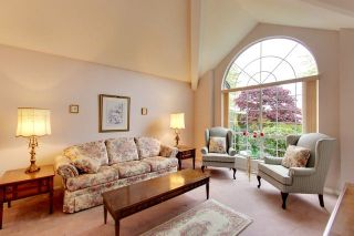 """Photo 4: 6679 LINDEN Avenue in Burnaby: Highgate House for sale in """"Highgate"""" (Burnaby South)  : MLS®# R2167616"""