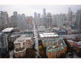 "Photo 6: 2906 193 AQUARIUS MEWS BB in Vancouver: False Creek North Condo for sale in ""MARINASIDE RESORT RESIDENCES"" (Vancouver West)  : MLS®# V746327"