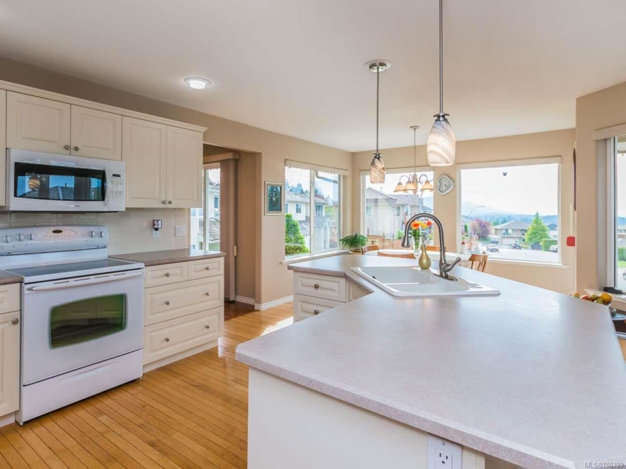 Photo 3: Photos: 5371 HIGHRIDGE PLACE in NANAIMO: Na North Nanaimo House for sale (Nanaimo)  : MLS®# 786399