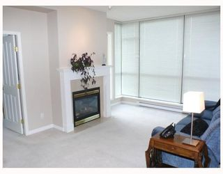 """Photo 2: 1408 6837 STATION HILL Drive in Burnaby: South Slope Condo for sale in """"THE CLARIDGES - CITY IN THE PARK"""" (Burnaby South)  : MLS®# V770790"""