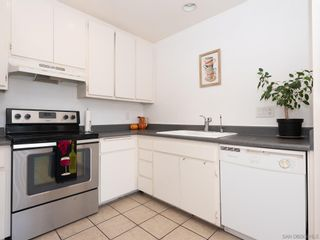 Photo 11: BAY PARK Condo for sale : 3 bedrooms : 4460 Caminito Pedernal in San Diego