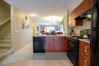 "Photo 5: 30 15871 85 Avenue in Surrey: Fleetwood Tynehead Townhouse for sale in ""HUCKE BERRY"" : MLS®# R2055937"