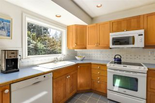 """Photo 12: 4852 QUEENSLAND Road in Vancouver: University VW House for sale in """"Little Australia"""" (Vancouver West)  : MLS®# R2256757"""