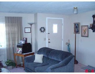 """Photo 8: 8254 134 Street in Surrey: Queen Mary Park Surrey Manufactured Home for sale in """"Westwood Estates"""" : MLS®# F2622406"""