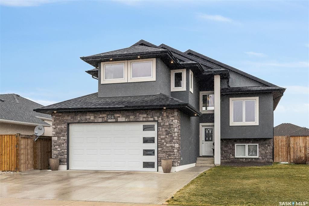 Main Photo: 304 Clubhouse Boulevard East in Warman: Residential for sale : MLS®# SK846843