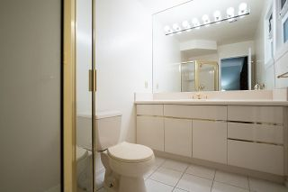 """Photo 16: 104 235 KEITH Road in West Vancouver: Cedardale Townhouse for sale in """"SPURAWAY GARDENS"""" : MLS®# R2518546"""