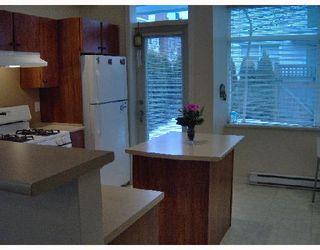 "Photo 5: 21 6539 ELGIN Avenue in Burnaby: Forest Glen BS Townhouse for sale in ""OAKWOOD"" (Burnaby South)  : MLS®# V687530"