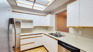 """Photo 3: 211 6820 RUMBLE Street in Burnaby: South Slope Condo for sale in """"GOVERNOR'S WALK"""" (Burnaby South)  : MLS®# R2616761"""