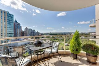 Photo 3: #1207 804 3 AV SW in Calgary: Eau Claire RES for sale : MLS®# C4287030