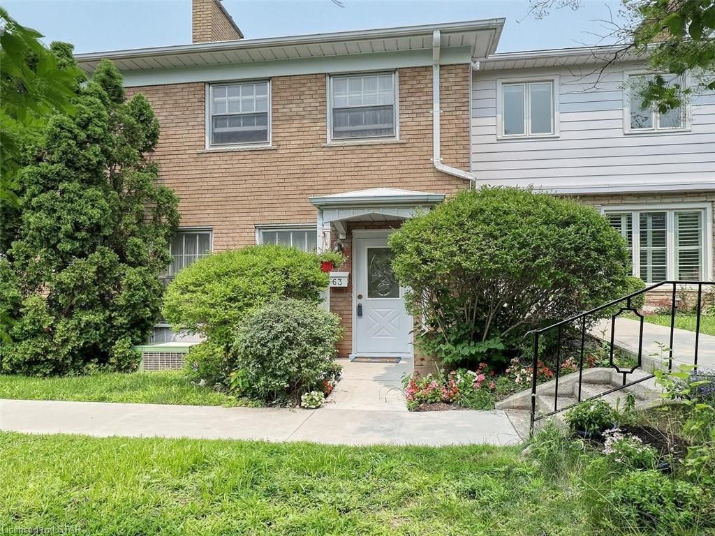 Main Photo: 63 1220 ROYAL YORK Road in London: North L Residential for sale (North)  : MLS®# 40141644