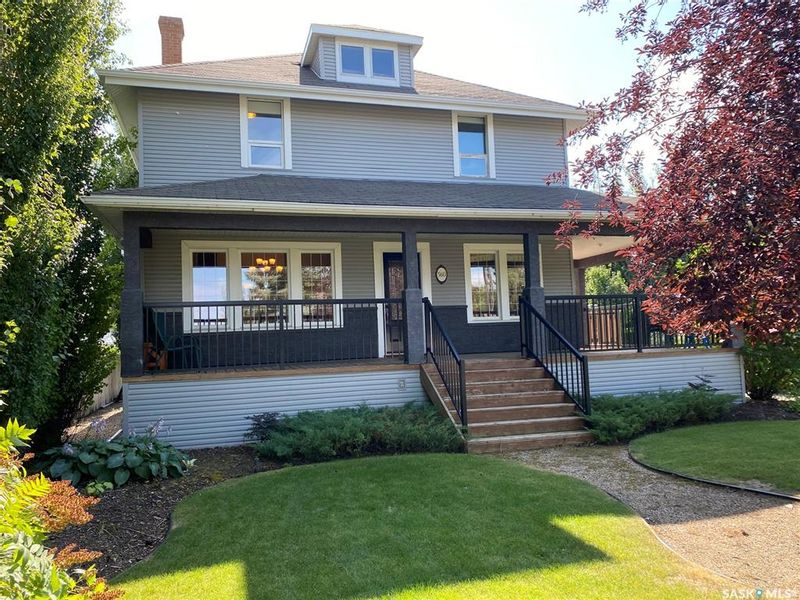 FEATURED LISTING: 560 4th Avenue Unity