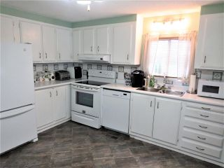 """Photo 12: 61 5742 UNSWORTH Road in Sardis: Vedder S Watson-Promontory Manufactured Home for sale in """"Cedar Grove"""" : MLS®# R2405974"""
