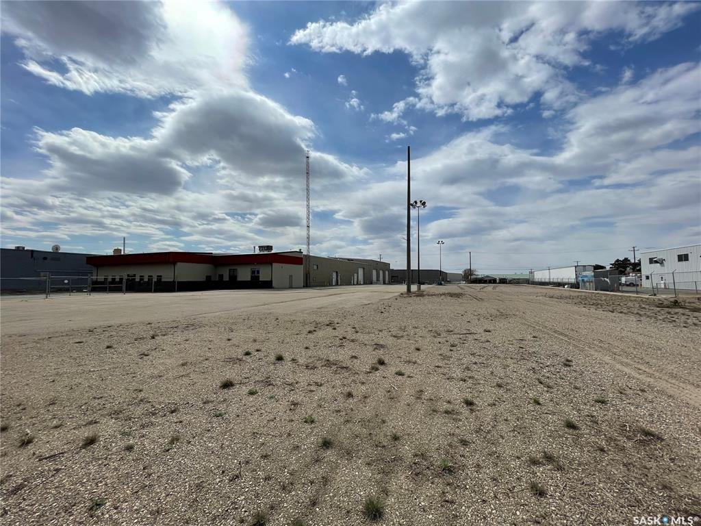 Photo 2: Photos: 2215 Faithfull Avenue in Saskatoon: North Industrial SA Commercial for sale : MLS®# SK852914