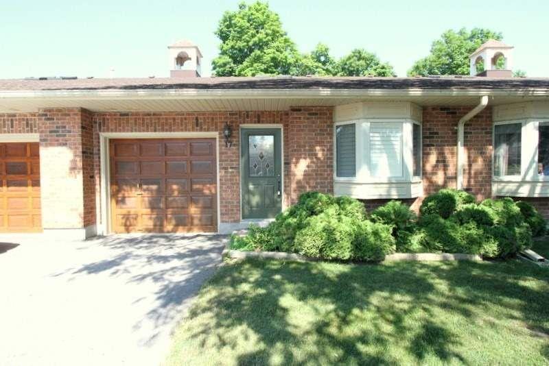 Main Photo: 17 B90 Park Lawn Boulevard in Brock: Beaverton Condo for sale : MLS®# N4814309