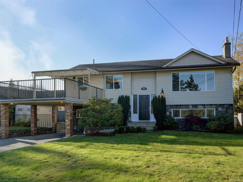 FEATURED LISTING: 9576 Lapwing Pl