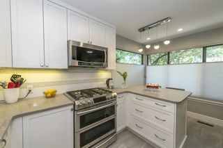 Photo 3: 4651 GARDEN GROVE DRIVE in Burnaby: Greentree Village Townhouse for sale (Burnaby South)  : MLS®# R2495980