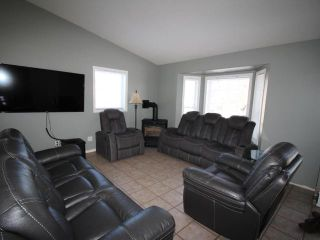 Photo 3: 303 COYOTE DRIVE in Kamloops: Campbell Creek/Deloro House for sale : MLS®# 160347