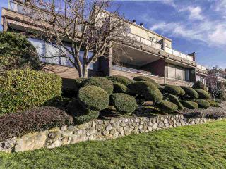 "Photo 2: 17 220 E 4TH Street in North Vancouver: Lower Lonsdale Townhouse for sale in ""Custer Court"" : MLS®# R2538905"