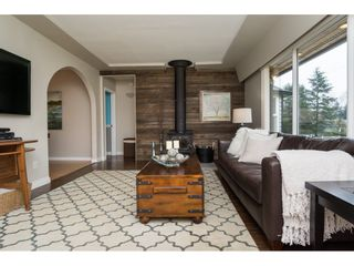 Photo 4: 15737 MCBETH Road in Surrey: King George Corridor House for sale (South Surrey White Rock)  : MLS®# R2146322