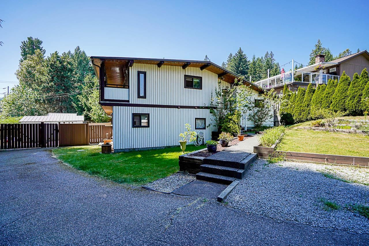 Main Photo: 274 MARINER Way in Coquitlam: Coquitlam East House for sale : MLS®# R2599863