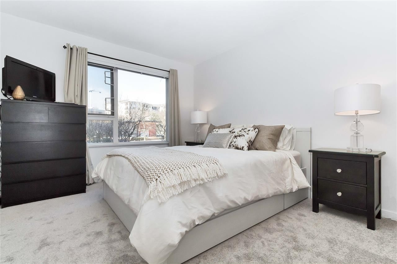 Main Photo: 201 4783 DAWSON Street in Burnaby: Brentwood Park Condo for sale (Burnaby North)  : MLS®# R2240962