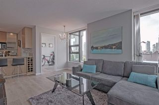 "Photo 3: 701 928 HOMER Street in Vancouver: Yaletown Condo for sale in ""YALETOWN PARK 1"" (Vancouver West)  : MLS®# R2395020"