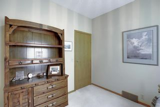 Photo 19: 23 SIGNAL RIDGE Place SW in Calgary: Signal Hill Detached for sale : MLS®# A1016893