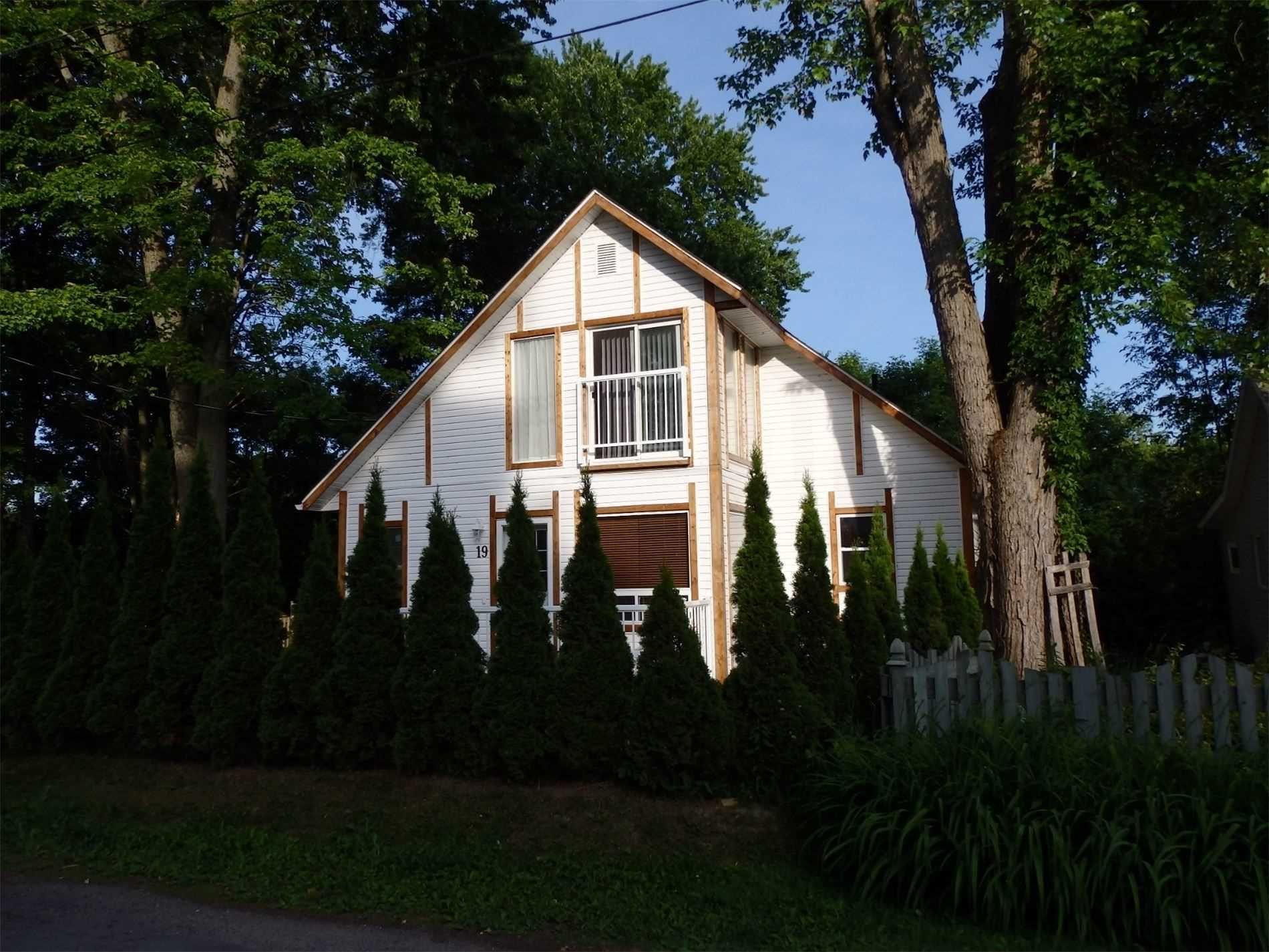 Main Photo: 19 Ridge Avenue in Ramara: Brechin House (2-Storey) for sale : MLS®# S5185665