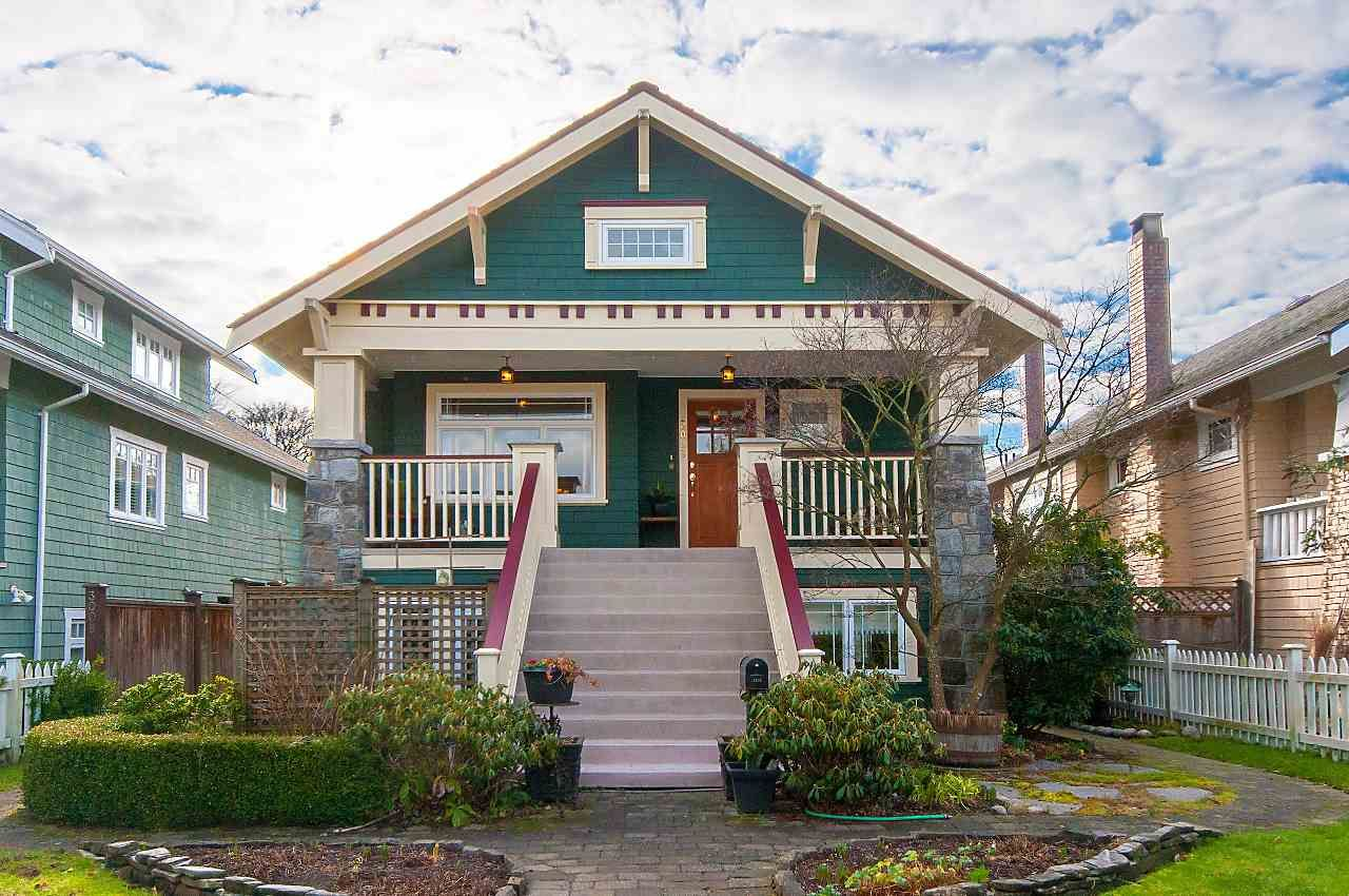 Main Photo: 3028 W 5TH Avenue in Vancouver: Kitsilano 1/2 Duplex for sale (Vancouver West)  : MLS®# R2335620