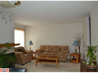"""Photo 2: 1 10062 154TH Street in SURREY: Guildford Townhouse for sale in """"WOODLAND GROVE"""" (North Surrey)  : MLS®# F1215581"""