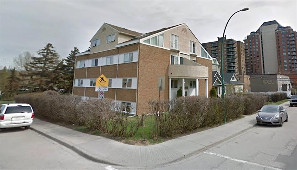 Main Photo: 2404 2 Street SW in Calgary: Mission Multi Family for sale : MLS®# A1123080