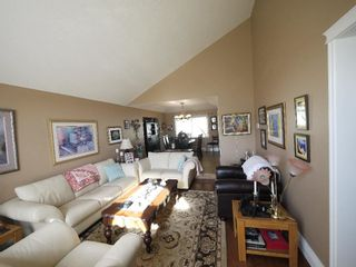 """Photo 3: 4140 GOODCHILD Street in Abbotsford: Abbotsford East House for sale in """"Hollyhock"""" : MLS®# R2587855"""