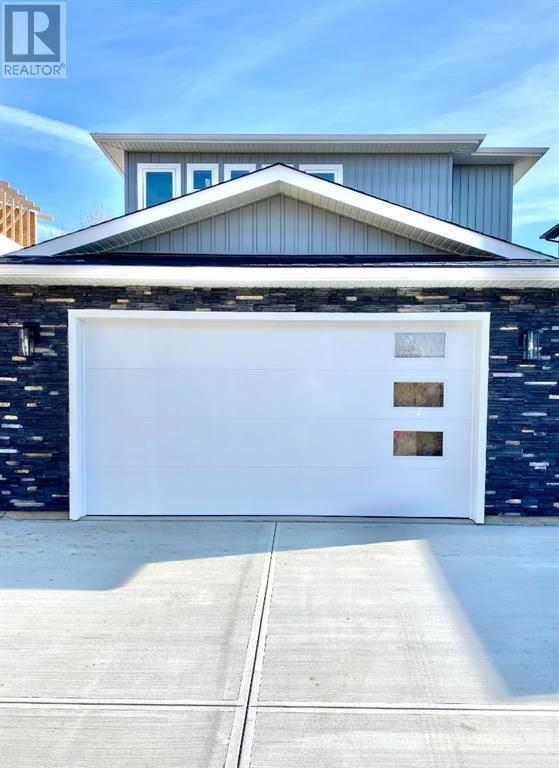 Photo 1: Photos: 61 Pritchard Drive in Whitecourt: House for sale : MLS®# A1136680