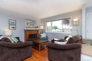 Photo 2: 622 Broadway St in VICTORIA: SW Glanford Half Duplex for sale (Saanich West)  : MLS®# 797925
