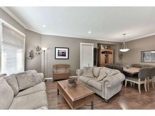 Photo 2: 18939 71A Avenue in Surrey: Clayton House for sale (Cloverdale)  : MLS®# R2034517