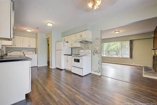 Photo 3: 2682 PARKWAY Drive in Surrey: King George Corridor House for sale (South Surrey White Rock)  : MLS®# R2578085