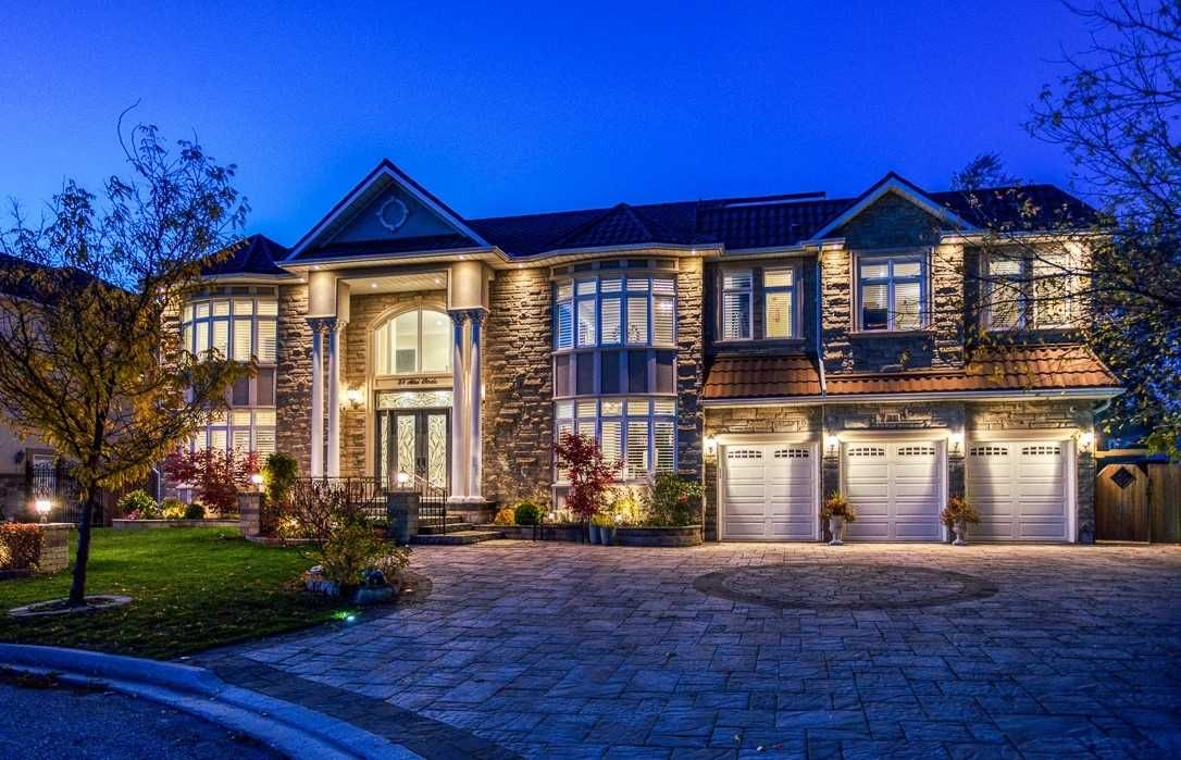 Main Photo: Kennedy Rd & 14th Ave in Markham: Freehold for sale : MLS®# N5117885