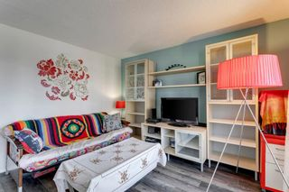 Photo 3: 301 2722 17 Avenue SW in Calgary: Shaganappi Apartment for sale : MLS®# A1098197